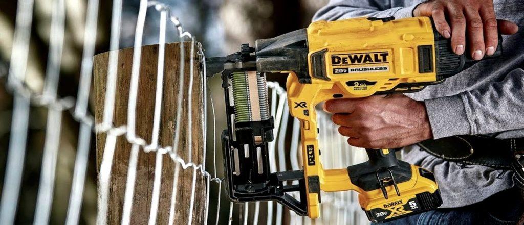 DCF950P2 agrafeuse de clôture 18V